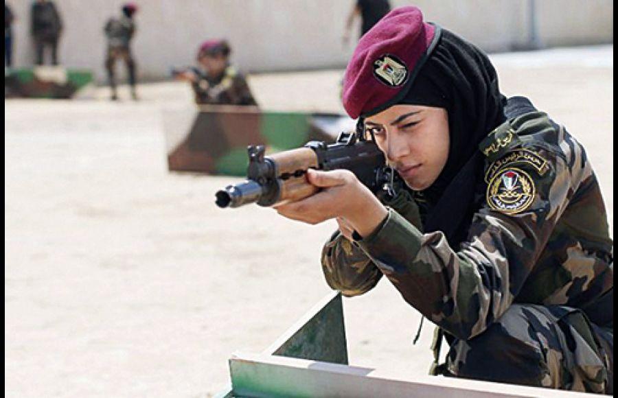 女兵喜庆电脑壁纸