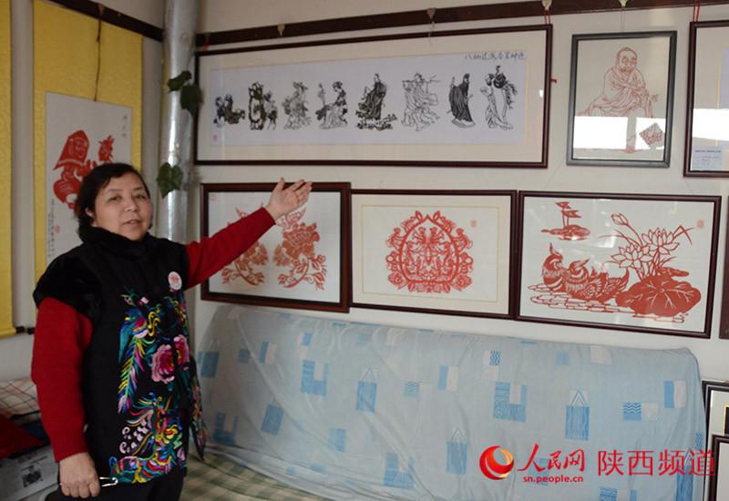 八仙过海 刘惠霞作品 八仙的故事家喻户晓,用剪纸形式将人