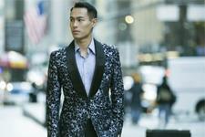 杨�v宁现身纽约时装周