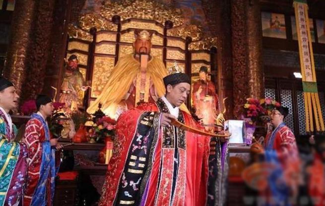 """西安城隍庙举行祈福庙会 """"非遗""""鼓乐送新年祝福"""