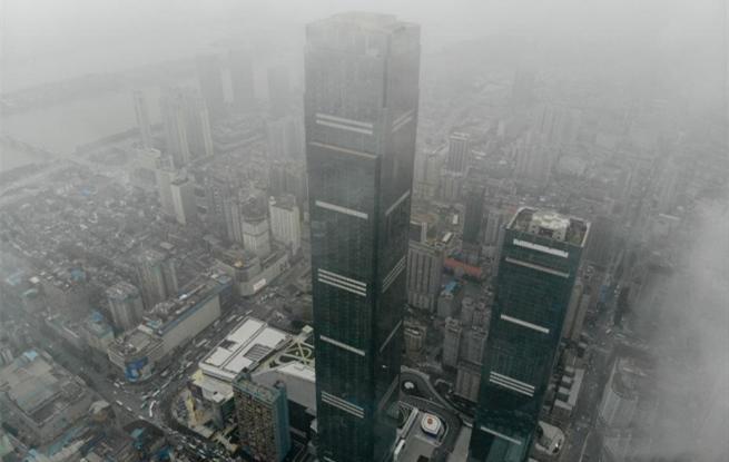 """湖南""""第一高楼""""建成开业 主塔楼高452米"""