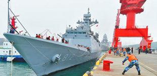 参加多国海军活动的外国军舰陆续抵达