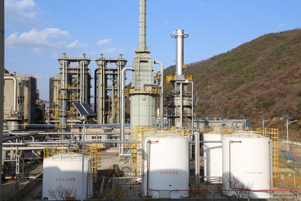 人民网:黄陵煤化工企业加大环保整改力度 以实际行动守护碧水蓝天