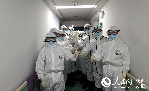 陕西首批援鄂医疗队进驻武汉九院