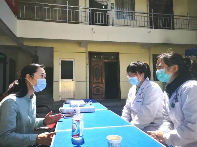 """西安市第四医院:关爱""""妇女保健及生殖健康""""开展义诊宣讲活动"""