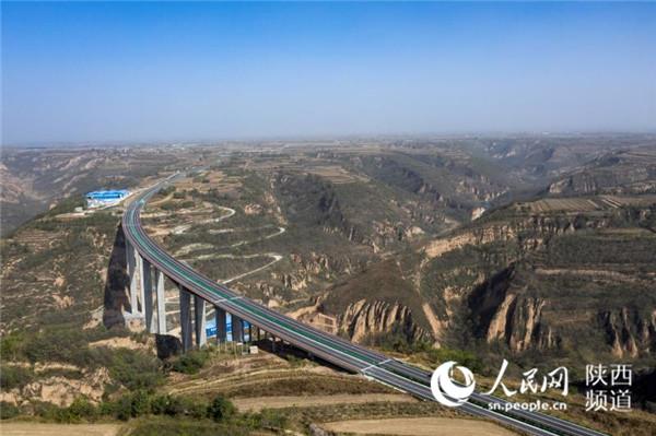 陕西旬邑至陕甘界高速公路通车运