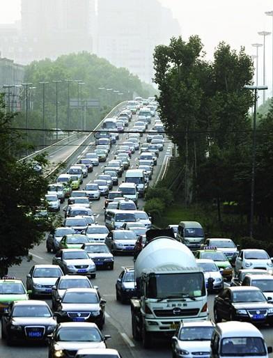 西安堵车 须建立综合交通管理体系